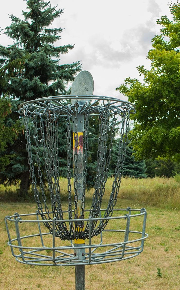 disc golfing CMU