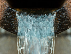 drain flowing water